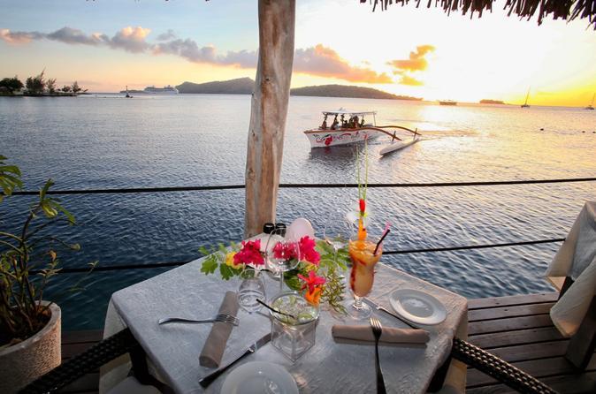 Cruzeiro e Jantar ao Pôr do Sol em Bora Bora no Restaurante St James