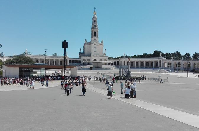 Explore Fátima And Nazaré As A Pilgrim And The Medieval Obidos! - Lisbon
