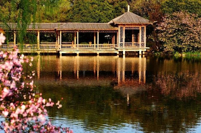 Hangzhou West Lake Walking Day Tour