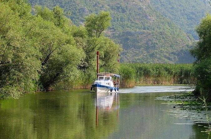 PELIKAN   BOAT  TRIPS ON  SKADAR LAKE VIRPAZAR - Podgorica