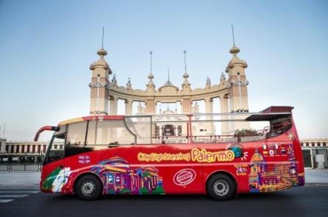 Excursão em ônibus panorâmico pela cidade de Palermo