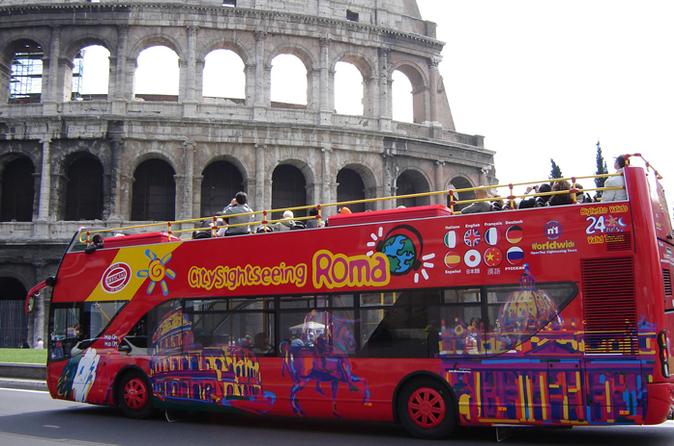 Excursão turística em ônibus panorâmico pela cidade de Roma