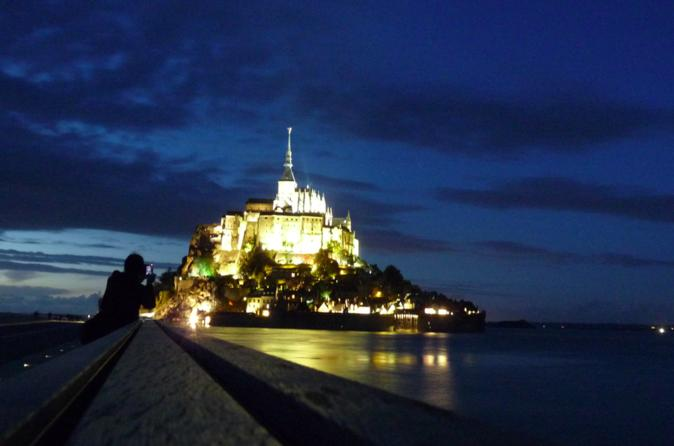 Excursión privada con guía personal en Mont Saint-Michel desde Paris con coche