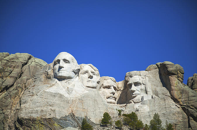 Mount Rushmore Flight and Ground Tour
