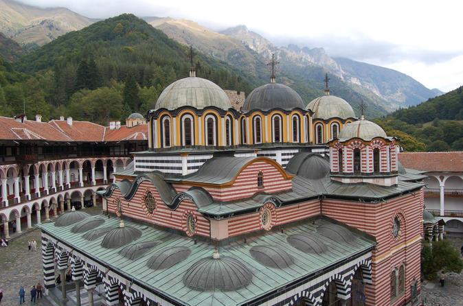 Viagem diurna ao Mosteiro de Rila e Igreja Boyana saindo de Sofia