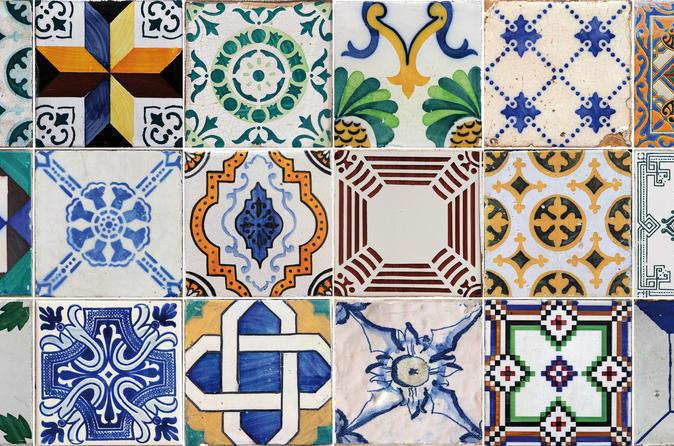 Azulejos e contos de Lisboa: oficina de azulejos e excursão particular incluindo Museu Nacional de Azulejos
