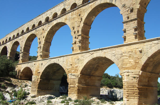 Private Day Trip to Avignon, Pont du Gard, Orange and Chateauneuf du Pape Wine Tour from Aix-en-Provence