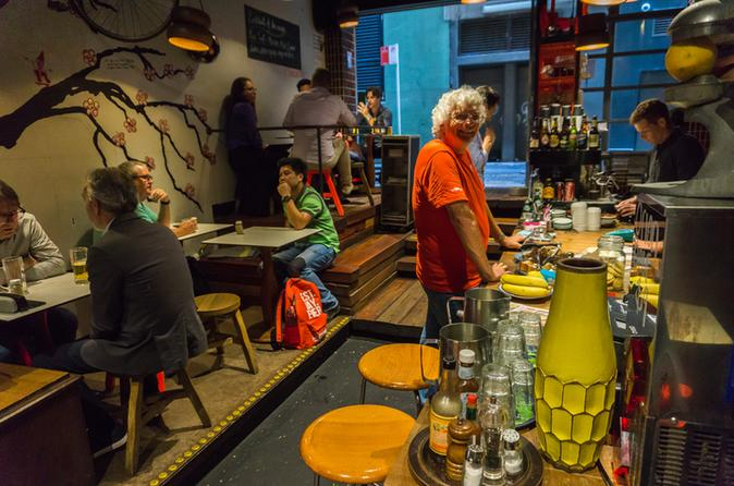 Eat, Drink and Walk Tour of Sydney with a Local Guide