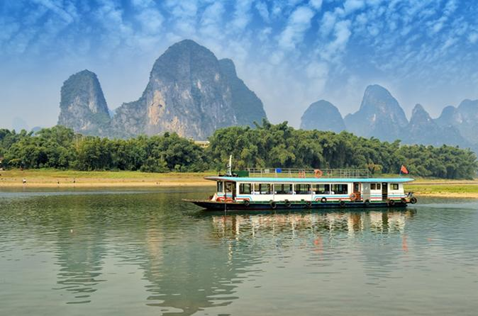 Li River Cruise to Yangshuo Day Tour from Guilin