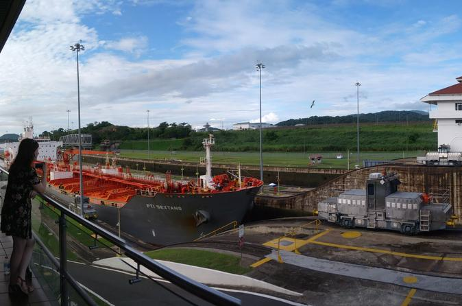 Tour in the Panama Canal and Monkey Islands