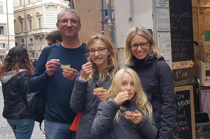 Dessert, cakes and typical pastries Food Tour in Rome with guided sightseeing