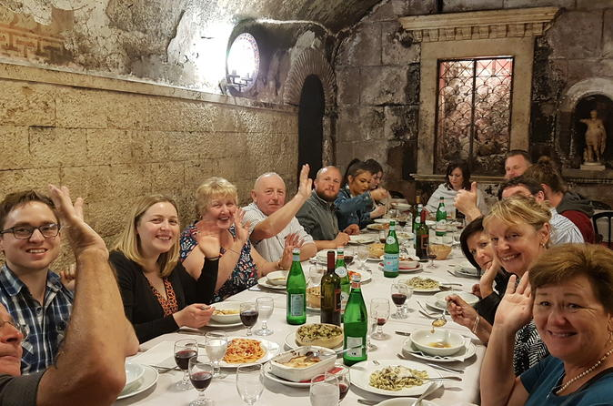 Jewish Ghetto And Campo De' Fiori Wine Sightseeing And Food Tour - Rome