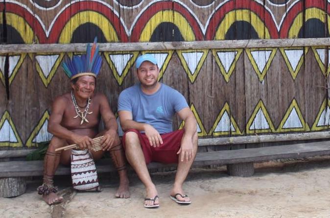 Excursão à uma aldeia indígena e encontro das águas