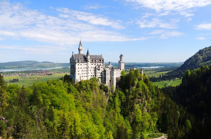 Neuschwanstein Castle and History of Beer Tour