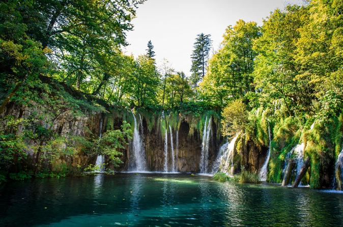 Split to Zagreb Group Transfer with Plitvice Lakes Tour