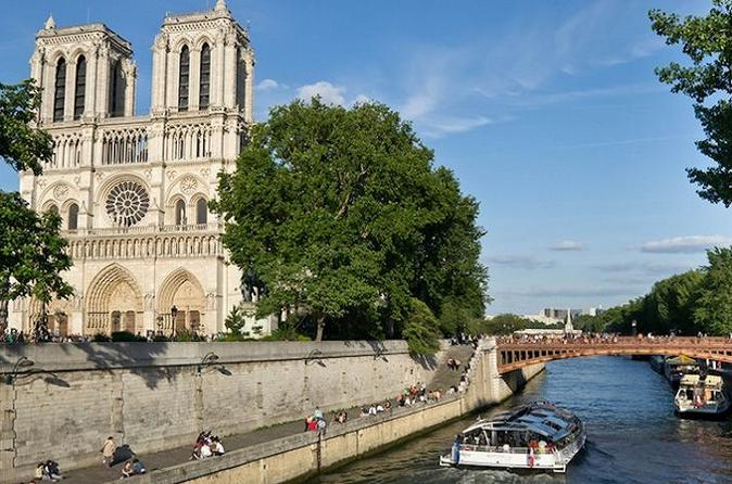 Small Group Paris City Tour and Louvre with Interactive Audio guide