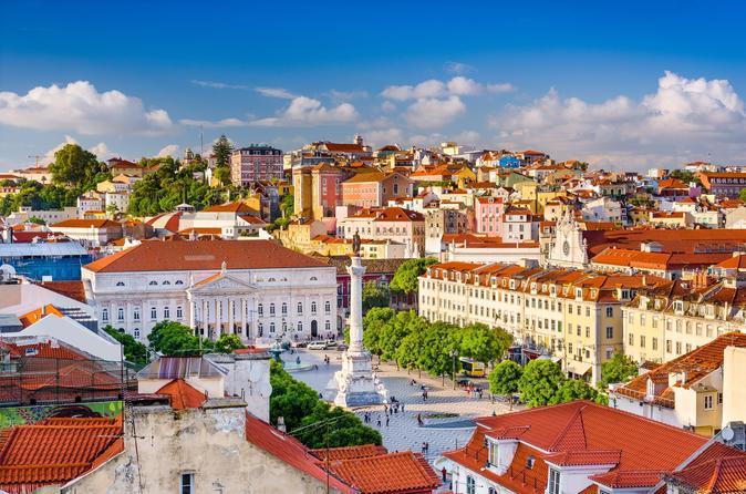 Lisbon Hills: 2-Hour Tuk Tuk Tour