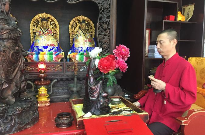 3-Hour Private Walking Tour including Monk Blessing Ceremony at Lama Temple