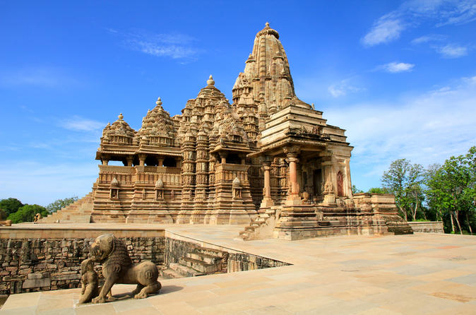 private-walking-tour-of-kamasutra-temple
