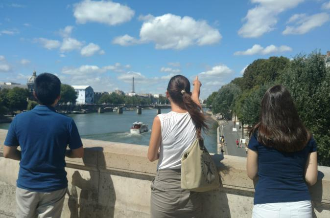 Learn French on a walking tour