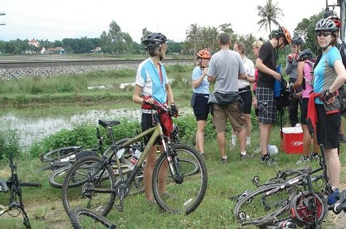 4-Day Bike Tour from Hue to Hoi An Ancient Town Including My Son Sanctuary