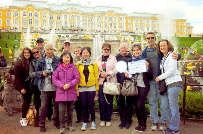 St. Petersburg Visa-Free 2-Day All Highlights Group Tour