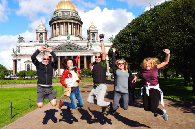 St. Petersburg Visa-Free 2-Day Essential Group Tour