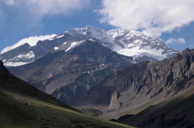 Excursão de quatro dias de trekking pelo Aconcagua, saindo de Mendoza com destino a Plaza Francia