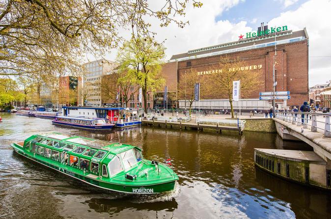 Cruzeiro pelos canais de Amsterdã com ingresso Evite as Filas e Experiência Heineken