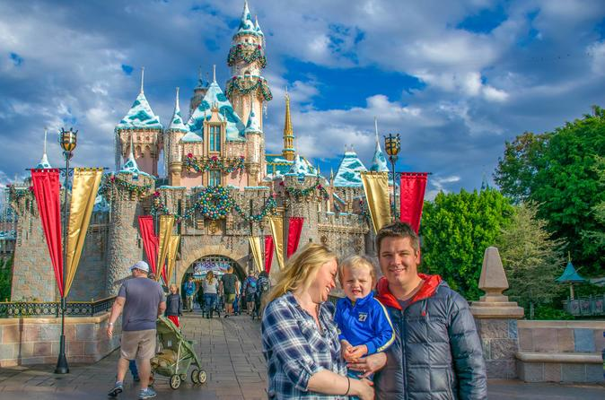 Disneyland Personal Assistant-Guide-Photographer