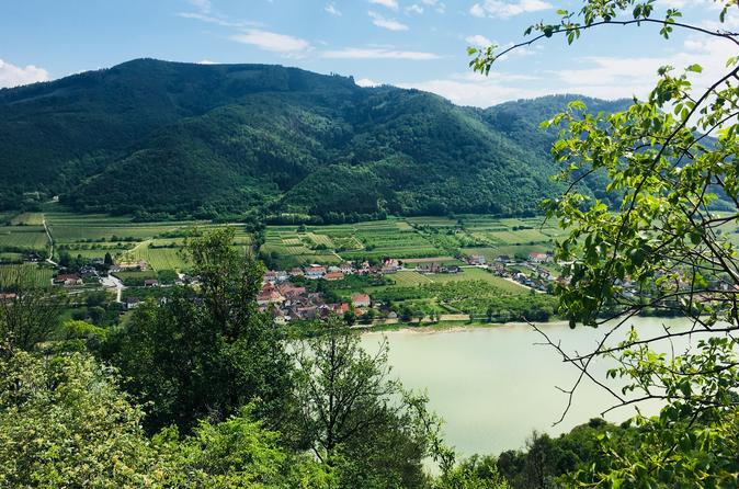 Wachau hike for small group (day trip, 3 hrs walking time)