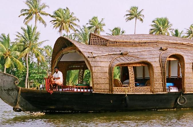 Private 2 Day Tour to Kerala from Bangalore with Flight :Houseboat & Cochin Tour