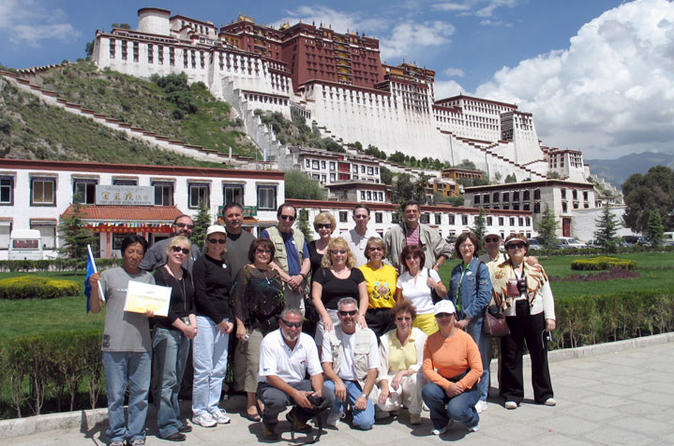 6 day small group china tour lhasa to shanghai in lhasa 200614