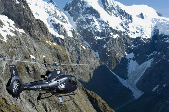 Milford Sound and the Glaciers Helicopter Tour including Landing from Queenstown