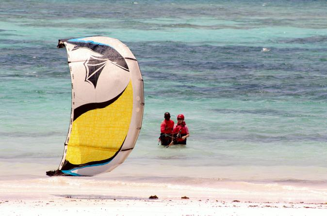 Beginners kite surfing course diani beach in diani beach 184573