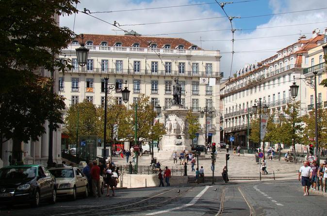 Lisbon 3-Hour Bohemian Walking Tour of Chiado and Bairro Alto