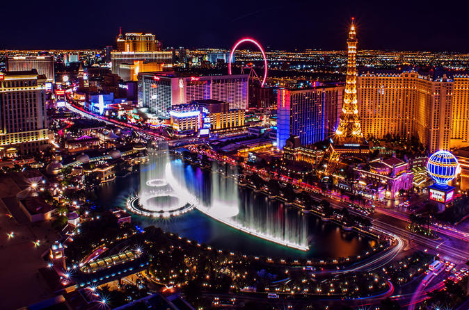 Luxury Limousine Transfer - Las Vegas (LAS) - Las Vegas Downtown (1-6 people)