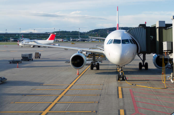 Shared Arrival Transfer: Zurich Airport to Hotel