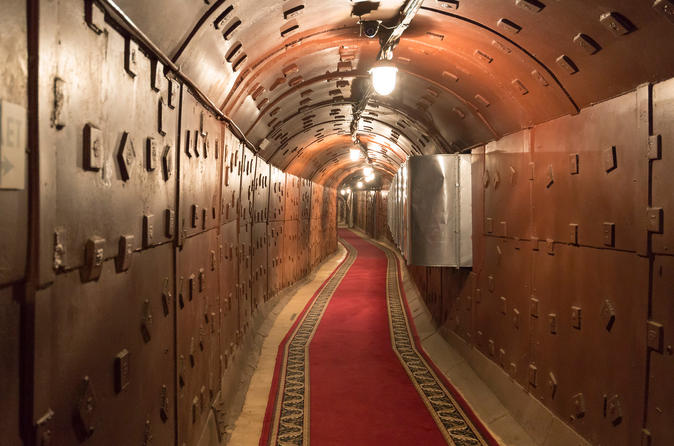 Bunker 42 and Moscow River Cruise with Private Guide