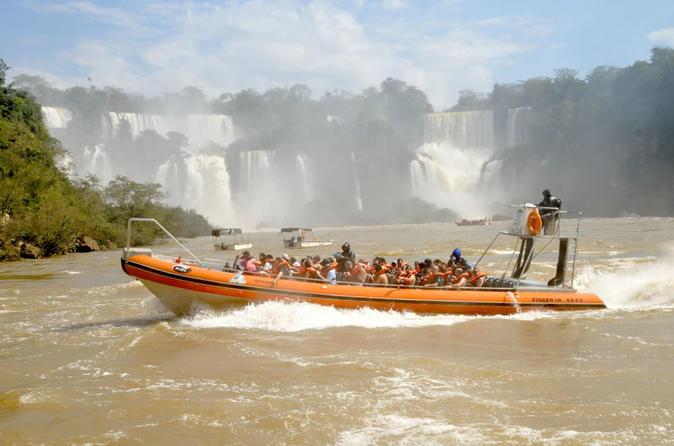 Grande Aventura nas Cataratas do lado argentino, com passeio de barco, saindo de Foz do Iguaçu