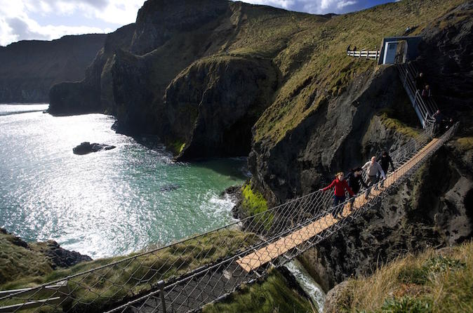 Belfast Shore Excursion: The Best of Northern Ireland Including Giant's Causeway