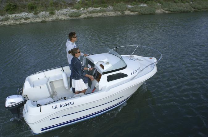 Boat rental up to 4 people in La Rochelle