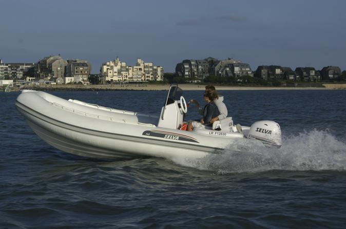 Rent a rigid-inflatable boat for up to 8 people in La Rochelle - License required