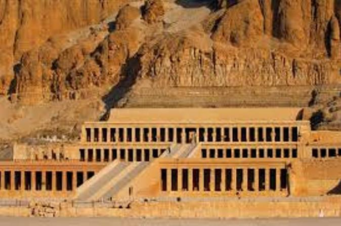Small Group Tour by Bus to Luxor West Bank
