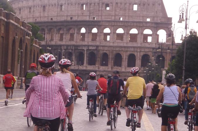 COMBO TOUR- WALK AND RIDE A BIKE- ANCIENT ROME: COLOSSEUM AND CARACALLA BATH