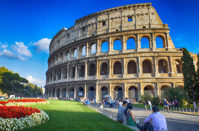 Colosseum and Roman Forum Semi-Private tour