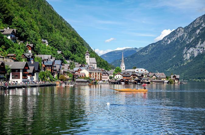Hallstatt from Salzburg - 6-hour private Tour