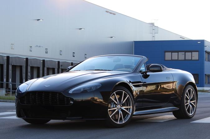 Rent a Aston Martin V8 Vantage S Roadster from ECC-RENT Germany