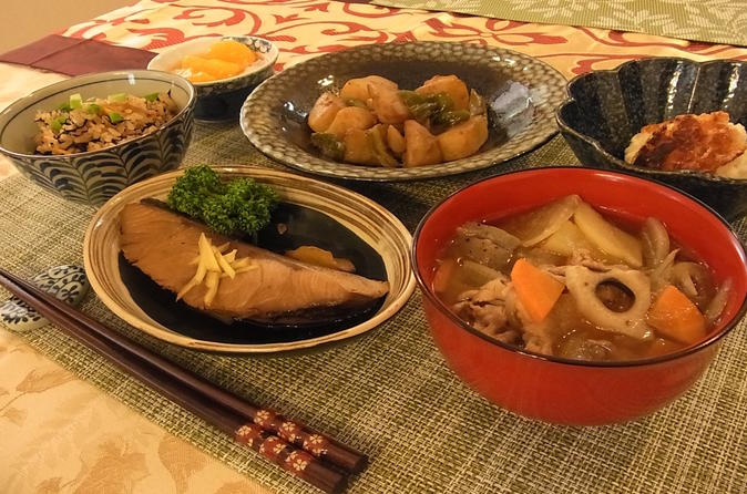 Authentic Japanese lunch with optional kimono dressing in a family home in Tokyo