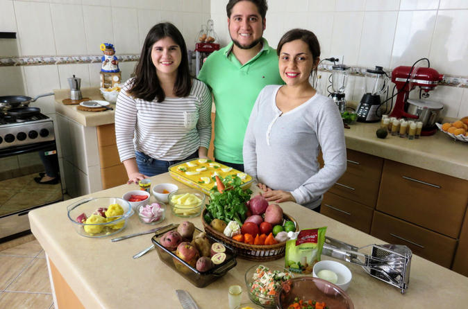 Private Peruvian Market Tour and Cooking Lesson with a Local Family in Lima